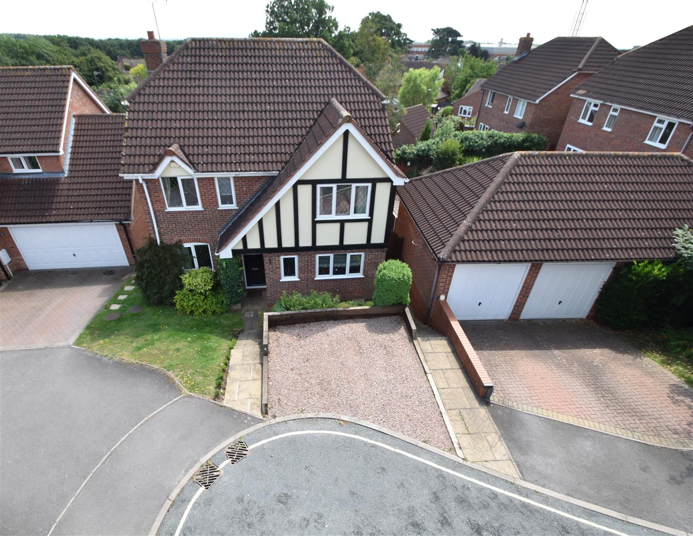 4 Bedrooms Detached House for sale in Viewfields, Worcester